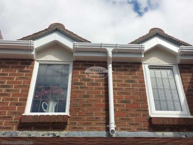 UPVC ogee style guttering with white UPVC fascia and soffit